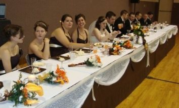 wedding party table - crop