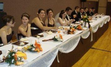 wedding party table - crop